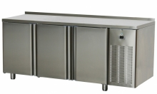Stół chłodniczy trzydrzwiowy SCH-3D